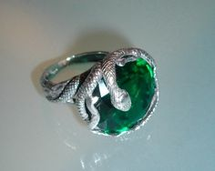 synthetic emerald gorgeous snake silver ring