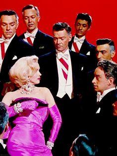 Estilo Marilyn Monroe, Marilyn Monroe Movies, Marilyn Monroe Photos, Marylin Monroe, Golden Age Of Hollywood, Classic Hollywood, Old Hollywood, Brigitte Bardot, Marlene Dietrich