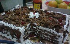 Receita de Pão de ló de Chocolate Chocolate, Cupcakes, Facebook, Baking, Desserts, Food, Wafer Cookies, Yummy Recipes, Sweet Recipes