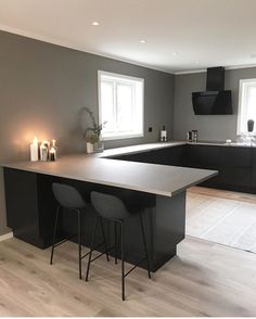 This is how minimalistic i want my home to be Home Kitchens, Kitchen Design Small, Home Interior Design, Kitchen Inspiration Design, Open Plan Kitchen Living Room, Home Decor Kitchen, Kitchen Interior, House Interior, Modern Kitchen Design