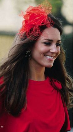 Kate Middleton in red dress at Wedding in April 2010 (2)
