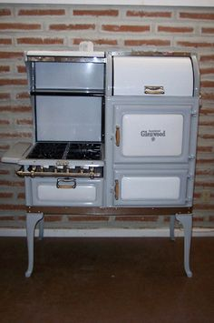 Vintage gas stove oven range