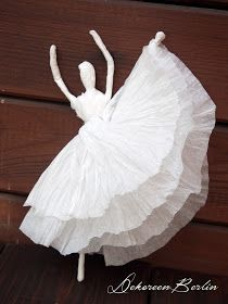 DekOreenBerlin: Primaballerina ♥ so lovley! Cool Paper Crafts, Wire Crafts, Diy Home Crafts, Diy Arts And Crafts, Metal Crafts, Crafts To Do, Crafts For Kids, Paper Quilling Jewelry, Crochet Christmas Ornaments