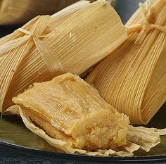 Mexican tamales recipe for tamales de dulce (sweet tamales) wrapped up Mexican Tamales Recipe: Tamales de Dulce (Sweet Tamales Recipe)