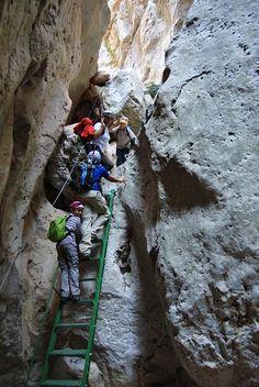 04/09/2012 Barranco del Tranco – Villel       Nos vamos a Teruel, que también existe, pero existe lejos.   Tenemos referencias de un montón ...