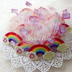 ♥ Tiryaki Hobi ♥: Keçe bebek şekeri / doğumgünü magneti - gökkuşağı (DERİN)