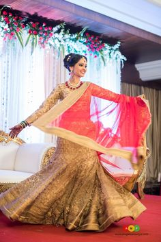 This celebrity couple looked stunning, overjoyed and more importantly, so in love! Beautiful Indian Brides, Beautiful Bride, Wedding Pics, Wedding Beach, Wedding Blog, Indian Wedding Theme, Bridal Photoshoot, Photoshoot Ideas, Saree Wedding