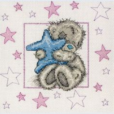 My baby girl loves stars and bears (I would make him brown though), I should make this and hang it in her room.