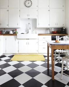 Black and White Kitchen Floor Tile. Black and White Kitchen Floor Tile. Small Kitchen with Modern Black and White Floor Tiles Stock Checkered Floor Kitchen, White Kitchen Floor, Checkered Floors, Kitchen Tiles, Kitchen Flooring, New Kitchen, Kitchen Decor, Kitchen Black, Kitchen Paint
