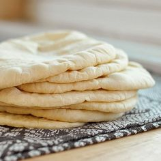 Homemade Pita Bread: easy & delicious