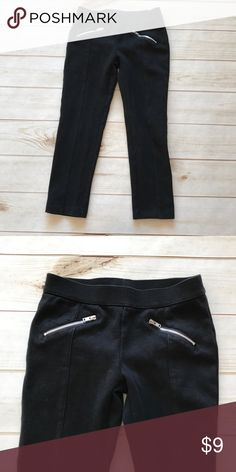 Gymboree girl's size 6 Black pants Gymboree girl's size 6 Black pants   Cute front zippers 81% cotton 16% polyester 3% spandex  daughter wore one time. Non-smoking home Gymboree Bottoms Leggings