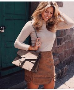 Autumn vibes! It's time to change up your wardrobe, shop knitwear esther.com.au x