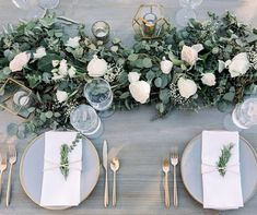 Greenery wedding table setting Greenery wedding table setting The post Greenery wedding table setting & Dekoration Location appeared first on Flower garland . Wedding Guest Table, Wedding Table Decorations, Wedding Table Settings, Decoration Table, Table Centerpieces, Wedding Centerpieces, Setting Table, Garland Wedding, Table Flower Settings
