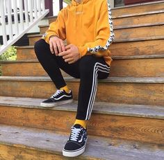 Kami Image about fashion in streetwear by DAYA on We Heart It Aesthetic Fashion, Aesthetic Clothes, Teen Boy Fashion, Mens Fashion, Street Fashion, Guy Fashion, Mode Outfits, Fashion Outfits, Mode Man