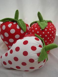 Strawberry shaped cushions. Yummy!!