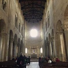 sisters in travel-tour por montalcino-montalcino-itália-abadia de sant'antimo-igreja