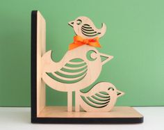 Pájaro pila madera sujetalibros animales por graphicspaceswood
