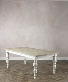 Koppen White Dining Table with clear chairs and master upholster chairs White Tables, White Dining Table, Wooden Dining Tables, Dining Set, Dining Rooms, Dining Room Inspiration, Design Inspiration, Design Ideas, Home Decor Kitchen