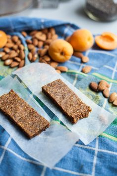 five ingredient almond apricot chia power bars | will frolic for food