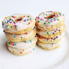 Clean Eating: Funfetti pronuts (protein donuts)!  Recipe on IG   corinanielsen