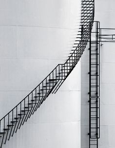 Steps by Léon Overkamp. I love stairways so much! Architecture Details, Interior Architecture, School Architecture, Japan Architecture, Escalier Design, Take The Stairs, Stair Steps, Stairway To Heaven, Interior Exterior