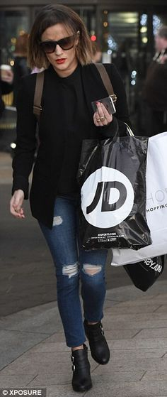 Rachel Stevens and Caroline Flack indulge in a little retail therapy   #dailymail