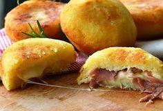 Λουκουμάδες πατάτας γεμιστοί με ζαμπόν και τυρί