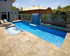 16 Best Swimming Pool Design for Small House - Everyone deserves a good swimming pool design in the house. Here are some best swimming pool ideas for the tiny houses! Amazing Swimming Pools, Swimming Pool Landscaping, Swimming Pools Backyard, Pool Spa, Swimming Pool Designs, Landscaping Ideas, Pool Water, Acreage Landscaping, Modern Landscaping
