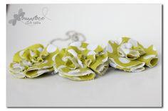 Cute DIY flower necklace- easy