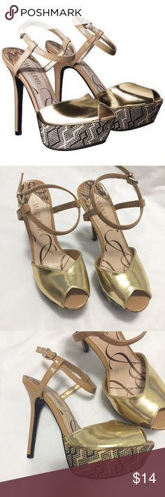 Sam & Libby Gold Pumps Nude and gold pumps with fun, printed platform. Size 6 1/2 but run a little small! Fit more like a 6. Heel height is 5 inches, platform is approximately 2 inches. Sam & Libby Shoes
