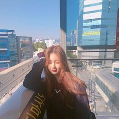 save = follow (@han_kyung__) Picture Poses, Photo Poses, Korean Best Friends, Ulzzang Korean Girl, Photography Poses Women, Korean Fashion Casual, Girl Pictures, Asian Girl, Instagram