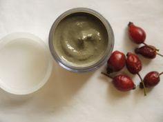 WILDCRAFT VITA: Fresh Hip, Honey and Yoghurt Face Mask (Rosa Canina)