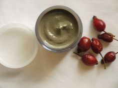 WILDCRAFT VITA: Fresh Hip, Honey and Yoghurt Face Mask (Rosa Canina)
