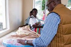 #ThisFlag Mawarire Reaches Out To Mothers In Need - ZimEye - Zimbabwe News - http://zimbabwe-consolidated-news.com/2017/03/16/thisflag-mawarire-reaches-out-to-mothers-in-need-zimeye-zimbabwe-news/