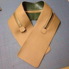 zipper gusset complete for the newey mens bag #leathergoods #luxury #saddlestitched #bespoke
