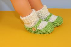 Ravelry: Baby One Button Sock and Slipper Booties pattern by Christine Grant