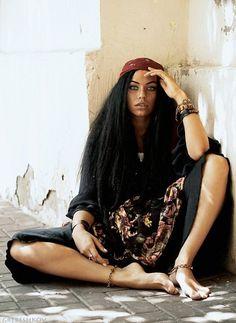 boho chic my styles Boho Gypsy, Gypsy Style, Hippie Boho, Boho Style, Boho Chic, Pretty People, Beautiful People, Gypsy Culture, Gypsy Women
