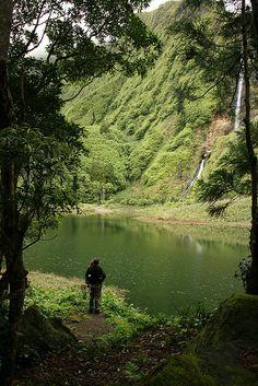 Fórum ilha das Flores (Açores): Ilha dos pequenos paraísos do verde, das flores, das cascatas e das lagoas