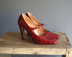 Red Patent Leather Mary Jane Shoes / by VioletsAtticVintage Vintage Shoes, Vintage Outfits, Vintage Fashion, Ruby Slippers, Mary Jane Shoes, Red Shoes, Mary Janes, Patent Leather, Peep Toe