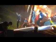 Liam Payne Falls on stage @ Croke Park Ireland WHERE WE ARE TOUR 2014 hahahaha made my day!!!