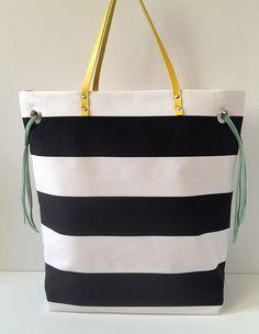 Classy striped tote tutorial