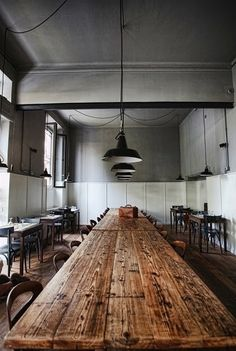 rustic table- now we're talking. love this