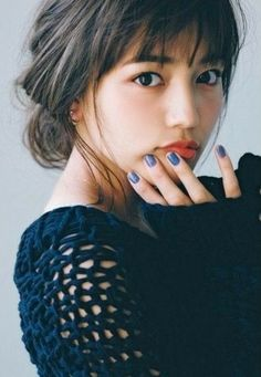 Haruna Kawaguchi 川口春奈 in 2020 Cute Girls Hairstyles, Hairstyles With Bangs, Japanese Beauty, Asian Beauty, Korean Fashionista, Prity Girl, How To Style Bangs, Beauty Around The World, Asian Hair