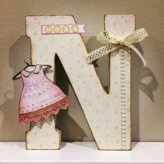 Nora scrap letter Letter N, Letter A Crafts, Cardboard Letters, Wooden Letters, Decoupage, Decorated Letters, Fancy Letters, Little People, Alphabet