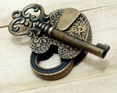 Antique Flowers Carved PADLOCK with BIG SKELETON Keys Solid Brass Vintage Safe Lock