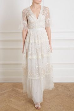 SheerLuxe Show: New In High Street Fashion & Beauty Haul With Trinny Woodall Source by csilladittrich fashion dresses Needle And Thread Wedding Dresses, Dresses To Wear To A Wedding, Boho Wedding Dress, Bridal Dresses, Wedding Gowns, Prom Dresses, Linen Wedding Dresses, Spring Dresses, High Street Fashion
