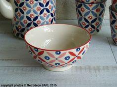 Coup de coeur pour ce bol Petal Mix en porcelaine peinte à la main à dominante bleue de chez Pols Potten. Ce bol coloré fera son plus bel effet à l'heure de l'apéritif ou du petit déjeuner. Associez-le si besoin avec le bol de la même collection à dominante rouge, les gobelets et la théière.
