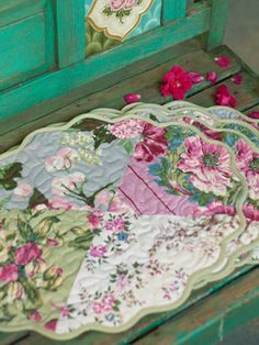 Emily's Roses Kitchen Set Quilting Pattern Download from e ... : quilted table runners and placemats patterns - Adamdwight.com