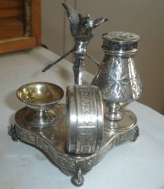 ANTIQUE VICTORIAN FIGURAL SILVERPLATE NAPKIN RING HOLDER COMBO WILCOX #1660