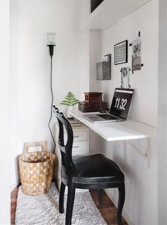 Small Space Solutions: The Wall Mounted Desk – home office organization ideas Desks For Small Spaces, Small Space Living, Small Apartments, Living Spaces, Small Desk Space, Desk In Small Bedroom, Small Workspace, Living Room, Office Workspace